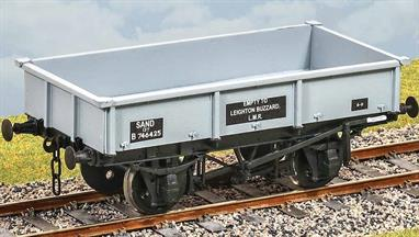 A fleet of specialist wagons for industrial and building sand were constructed in the early 1950s. They were designed for emptying by tipper or grab. Withdrawal started in the 1970s, some lasting in Civil Engineers service into the 1980s. Transfers for early and post-TOPS BR.  Additional parts to enable the vehicle to be modelled incorporating modifications made to the prototypes during their working life are included where appropriate.Supplied with metal wheels and 3 link couplings.