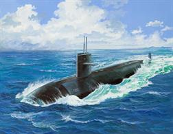Revell 1/400th USS Dallas US Navy Submarine Kit 05067  Model construction kit of a US Navy nuclear-powered attack submarine. It is also well known from the film Hunt for Red October . Glue and paints are required