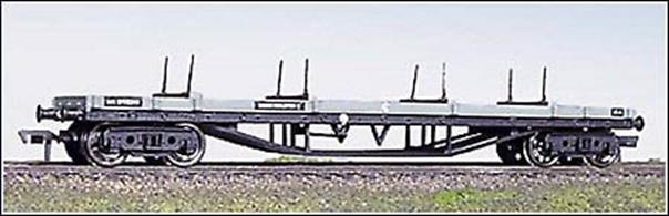 Bogie bolster wagons are used to convey loads which are too long to fit into standard open wagons. This BR grey bolster is a fine model of the type with detail including deck planking and movable bolster stakes.