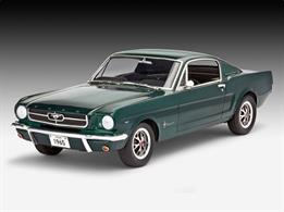 Revell 1/25 1965 Ford Mustang 2+2 FastbackLength 191mm Number of Parts 82