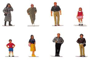 Pack of town people figures suitable for adding detail to street scenes and station platforms,