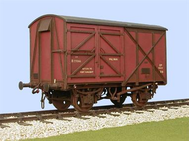 Kit to build a detailed model of the first design of BR box van intended for loading with palletised goods. Although these vans are well remembered due to their distinctive off-set doors the design was less than successful in service.Supplied with metal wheels, 3 link couplings and sprung buffers