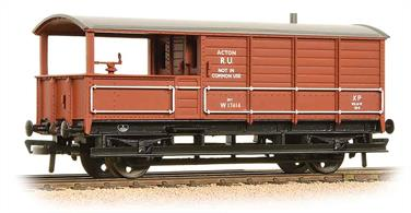 A nicely detailed model of the GWR pattern guards' brake van painted in the British railways bauxite brown colour.The single-ended GWR brake vans were withdrawn from traffic use in the 1960s, as national agreements with the unions required access to both ends of brake vans. However hundreds of the GWR vans found a home with the engineers who appreaciated the large enclosed van section and solid-sided veranda which prevented loose items and tools from being lost 'overboard' while travelling.Era 4/5 1948-1966