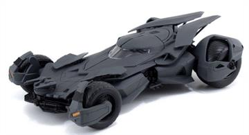 Kit Features:		Pre-painted die-cast model kit		Opening doors and detailed interior		Styling cues directly from the movie		No glue or paint required		25 parts		Skill level 2