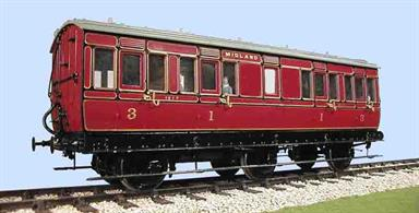 This kit builds a detailed model of the Midland Railway design 6-wheel composite coach with a lavatory compartment to diagram 516.The installation of a lavatory, usually between two compartments, was one of the first improvements in passenger facilities provided on long distance trains. The introduction of corridor trains in the late 1880s relagated the lavatory stock to secondary duties, but these coaches continued to serve on long-distance stopping trains.