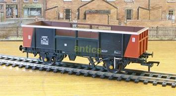 The Limpet ballast wagons re-used air-brake equipped chassis from 2-axle tank wagons to help replace engineering wagons built in the 1950's with more modern vehicles. Bachmann's model captures these distinctive vehicles well, including the cut-out panels in the centre of the sides intended to prevent overloading with ballast, while retaining the high sides useful for many lighter track materials.This model carries the distinctive and striking Trainload Freight livery of black with orange end stripes.