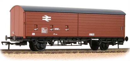 Detailed model of the BR VBA long wheelbase air braked covered box van with twin half-length sliding doors to give access to the entire length of the interior for loading by fork-lift trucks. This model carries the original bauxite livery from the 1970's.These long wheelbase air braked wagons were designed with greatly modernised suspension systems able to travel safely at speeds of 60mph. Higher train speeds and a network of dedicated fast freight services greatly improved BRs competitive position for wagonload freight.