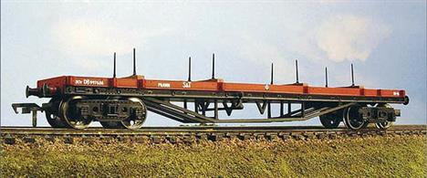 Model of the standard BR bogie bolster C wagons, used to convey long loads, for example lengths of structural steel section.