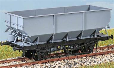 21 ton Rebodied Hopper Wagon (Vac. Braked) In the 1970s BR started to put new bodies on hopper wagons built in the 1940s and 1950s. Some ran with vacuum brakes. Examples lasted into the 1990s. These finely moulded plastic wagon kits come complete with pin point axle wheels and bearings.