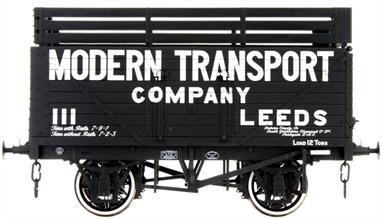 Dapol Lionheart Trains LHT-F-080-003 O Gauge 8 Plank Coke Wagon Modern TransportDelivery Spring 2018A detailed ready to run O gauge 7 plank open wagon model from Lionheart Trains tooling finished in the livery of Modern Transport and fitted with coke rails.