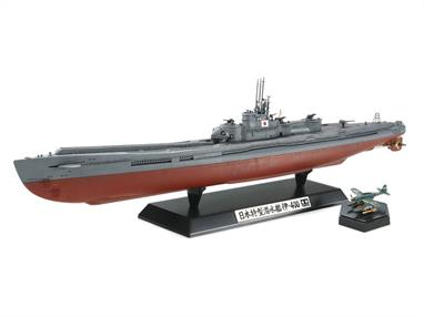Tamiya 1/350 I-400 Japanese Navy Submarine Kit 78019The accurately reproduced hull features two-piece construction with upper and lower hull sections. Clear parts for the bridge deck and aircraft hangar are included, allowing display of the 3 Seiran aircraft inside the hangar.
